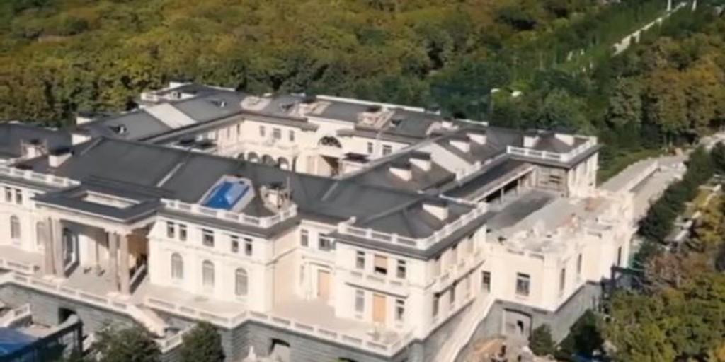 ناوالنی تحقیق درباره کاخ عظیم پوتین در دریای سیاه را پخش می کند